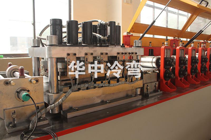 120mm 轻钢龙骨成型机器